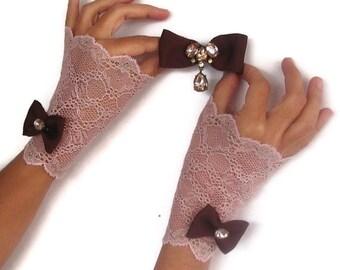 Salmon Pink Lace Fingerless Gloves & Brown Hair Pin Set. Bridal Wrist Charm. Handmade
