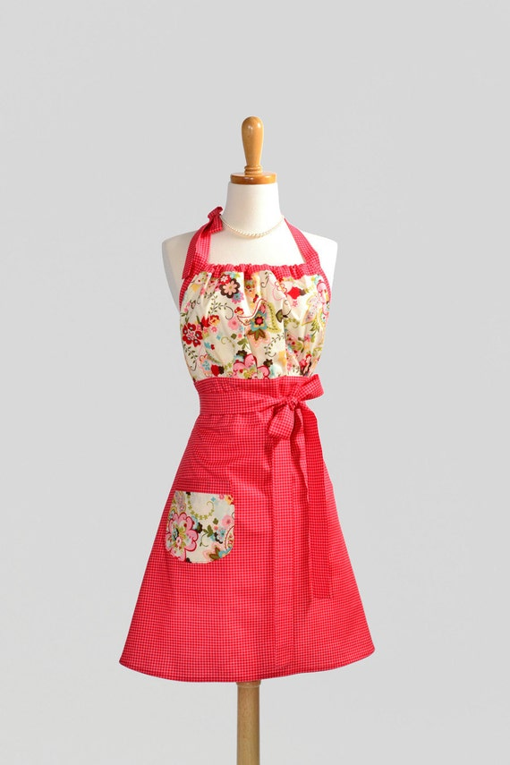 Cute Kitsch Apron / Red Houndstooth  and Creamy Florals Quality and Style in Moda Fabrics