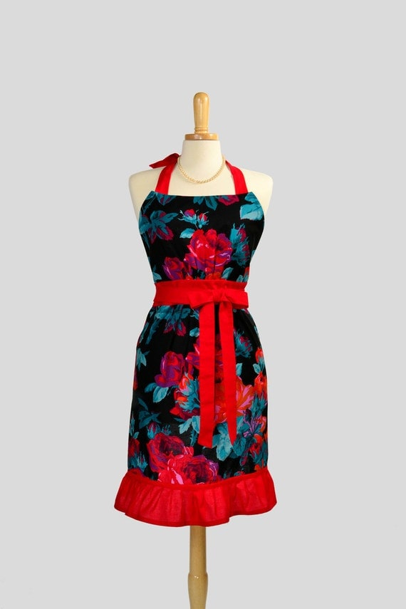 Cute Kitsch Retro Apron : Full Kitchen Womens Apron in Vintage Red Roses and Black Background with Wide Red Ruffle