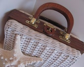 Vintage Wicker Straw Box Purse . Bag . Pocketbook . Vintage from 1960's, . White