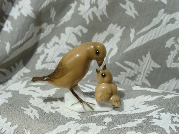 Vintage Porcelain Bird Feeding Baby Bird Figurine Hutschenreuther