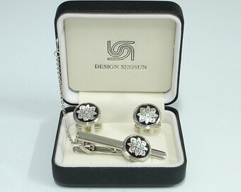 Mother of Pearl Tie Clip and Cufflinks Set with Lotus Flower Design
