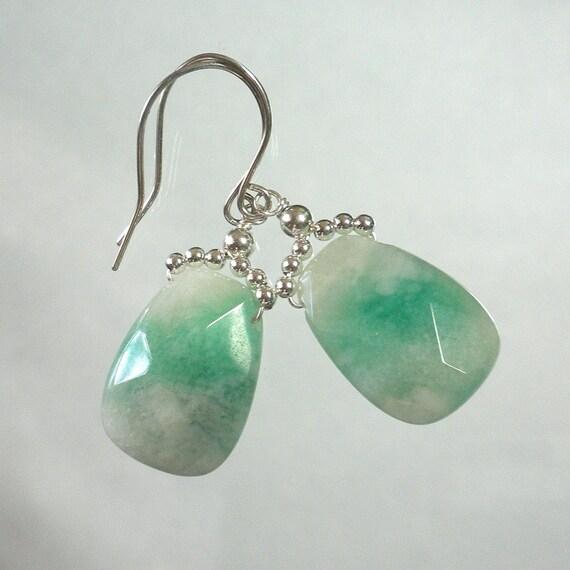 Briolette earrings Green jade earrings. Stone Earrings. Drop Dangle Gemstone Sterling silver