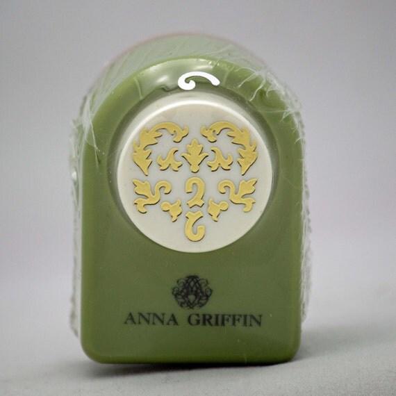 Anna Griffin Paper Punch Heart Flourish