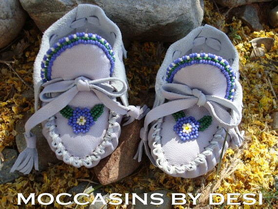 Baby MoccasinsBy Desi, Beaded,Light Purple, Lambskin leather