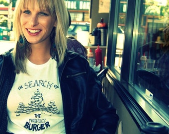 In Search Of The Perfect Burger T-Shirt/Tee womens S.M.L.XL