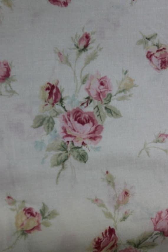 Yuwa Roses Fine Cotton Fabric Light Pink Roses on Cream 816535c