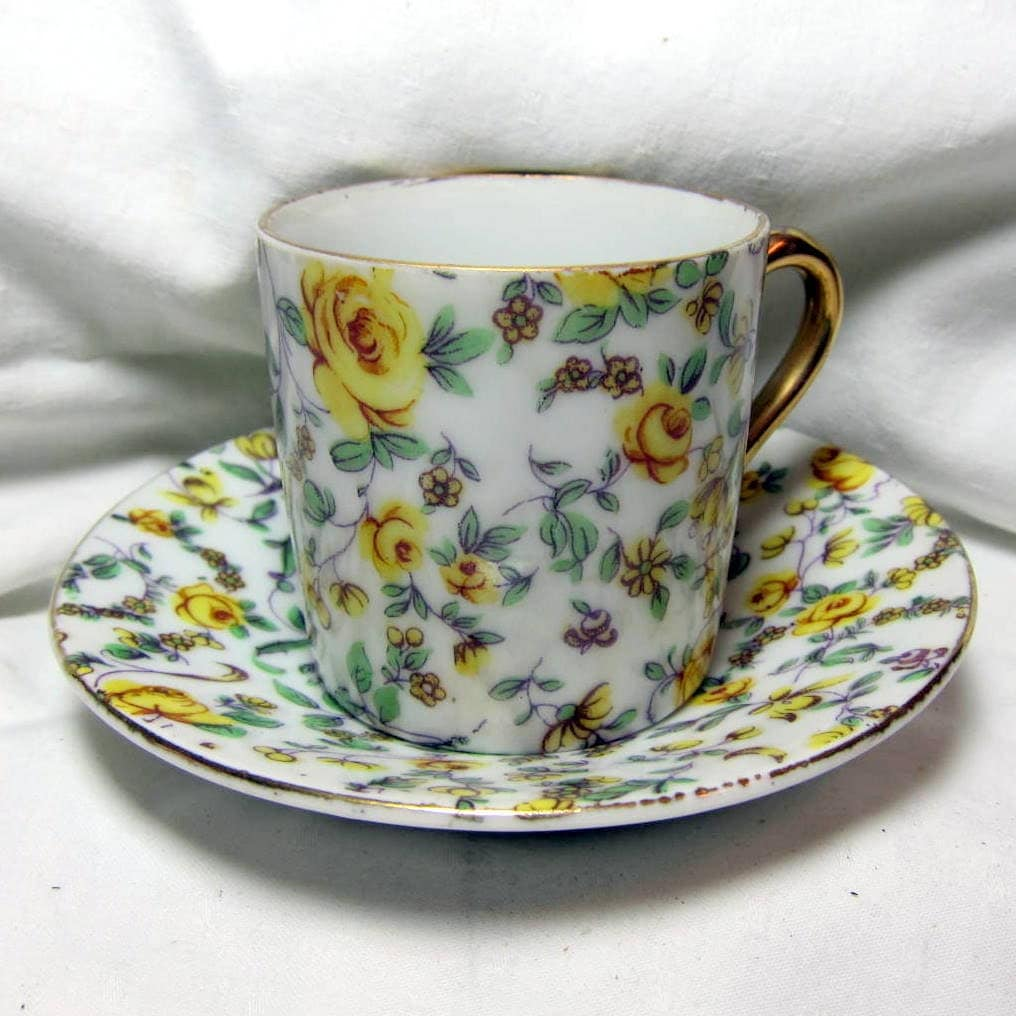 vintage yellow flower demitasse cup and saucer with gold trim haute juice. Black Bedroom Furniture Sets. Home Design Ideas