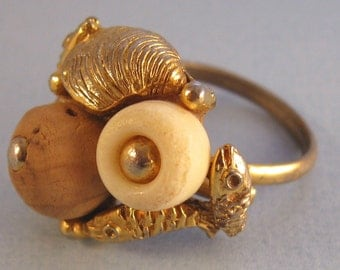 ART Sea Creatures Ring Vintage Beach Nautical Shells Fish Cork