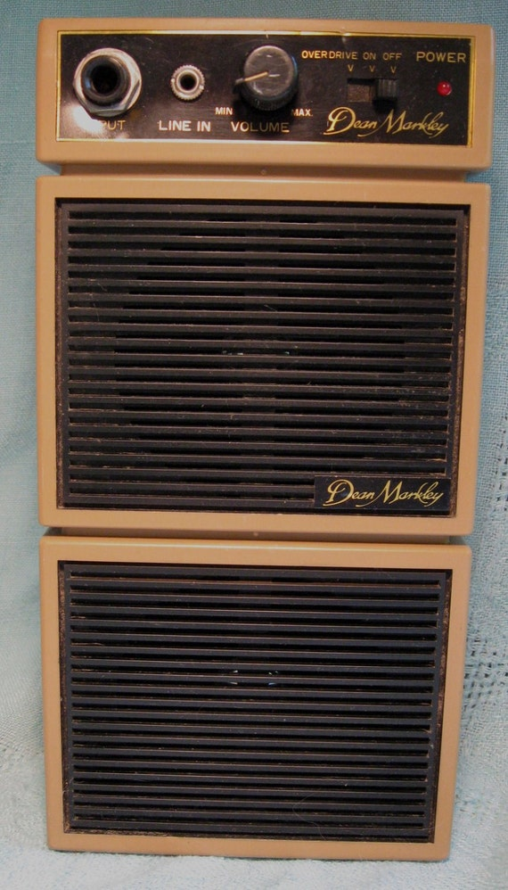 Vintage Dean Markley Amplifier Compact Vertical