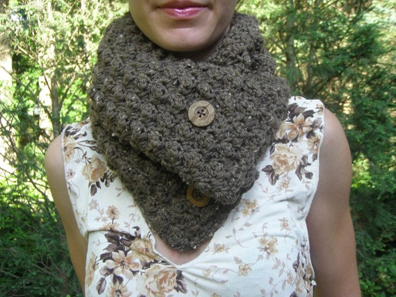Crochet Cowl in Barley with Wood Buttons