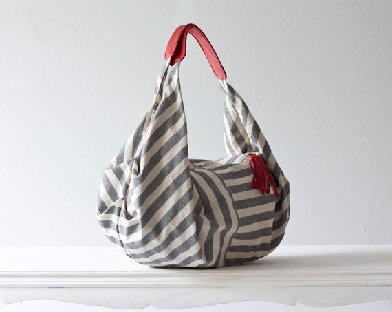 Kallia in Striped canvas and Red leather details
