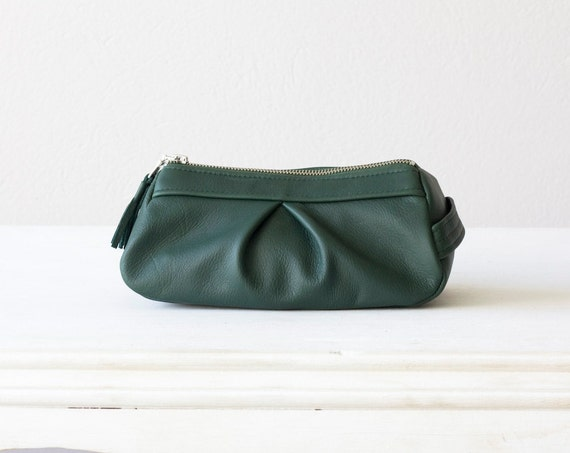 Cosmetic case in  dark green genuine leather