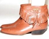 Vintage leather tan fringe ankle boot size 7 boho western indian summer