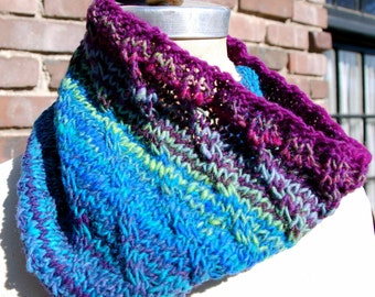 Neckwarmer / Cowl - The Wave