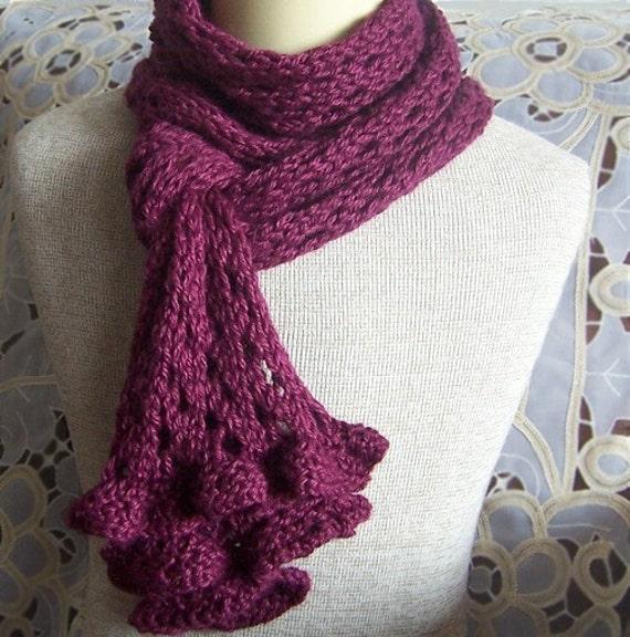 Knit Ruffle Scarf Pattern : KNIT PATTERN Romantic Ruffles and Lace Scarf