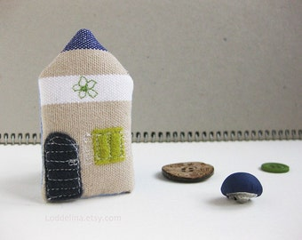 Tiny house brooch. Navy blue, taupe and white.