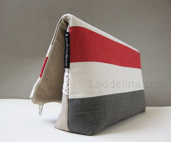 Foldover CLUTCH striped canvas in cream, rusty red, taupe and grey with cream lace trim.