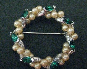 Vintage Glass and Faux Pearl Brooch