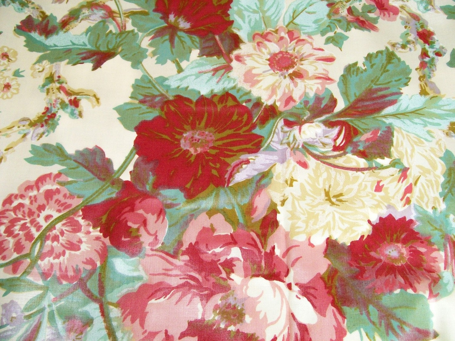 Vintage waverly floral fabric cabbage roses 1 1 2yd pinks for Vintage fabric