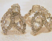 Vintage Weiss Teardrop Clear Rhinestone Earrings