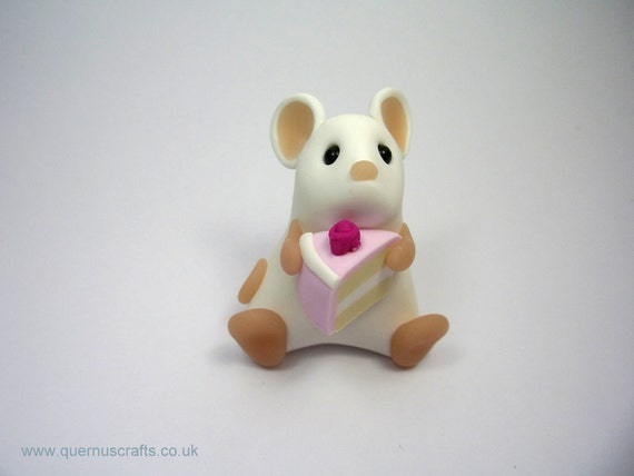 Little White Mouse with Cake Ornament Sculpture Cake Topper