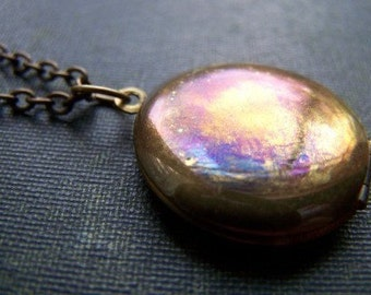 Mysterieux - Vintage Brass Locket Necklace
