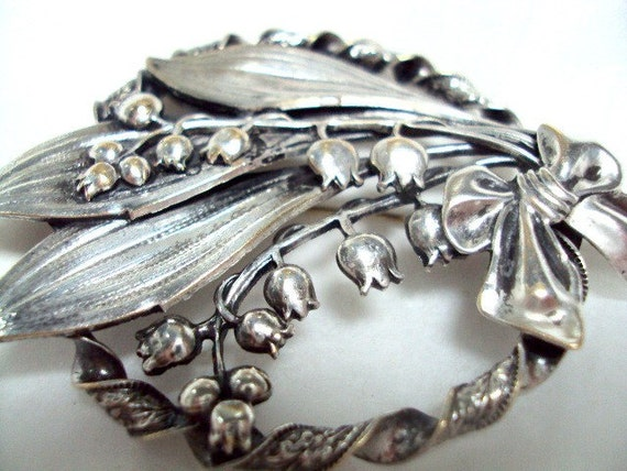 Vintage Beautiful Estate Sculptural Silver Plate Lily Brooch Forties
