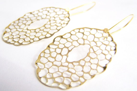 FREE SHIPPING WAI - Sea Foam Golden Filigree Earrings: Affordable gifts for everyday wear - bridesmaids sets - beach inspired treasures