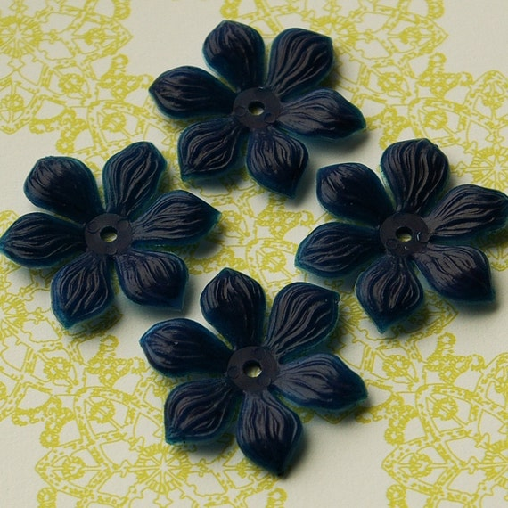 Vintage Beads 4 Soft Flexible Plastic Clematis Flower Beads