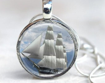 Clipper Ship Round Silver Pendant - Nautical Schooner - Tall Ship Necklace - Windjammer - Nautical Jewelry - Sailing - Sailor jewelry