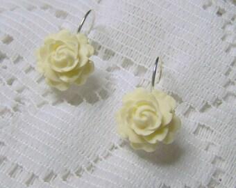 Ivory Rose Earrings - Vanilla Pudding - Ivory Cream - Winter White Flower Earrings - Floral Earrings - Ivory Wedding Earrings