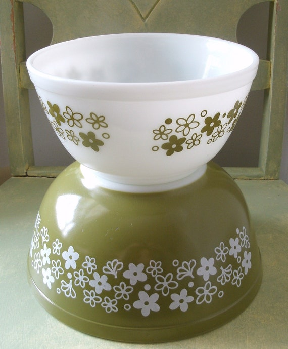 Spring Blossom Green and White Nesting Mixing Bowls by Pyrex  - Set of Two