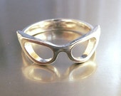 Cat Eye Glasses Ring