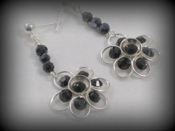 Crystal daisy dangle earrings - Swarovski crystals, black, purple, daisy dangle, party,  wedding, bridesmaids