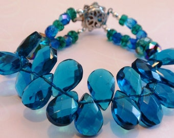 Turquoise Blue Briolette Tear Drop Crystal and Rhinestone Catch Bracelet