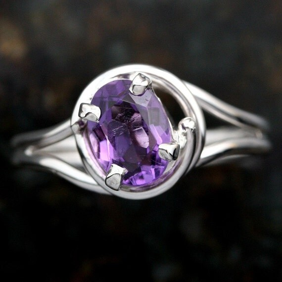 Sterling Silver Amethyst Ladies Ring Size 7 1/2