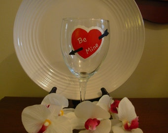 Valentine's Day Be Mine Wine Glass