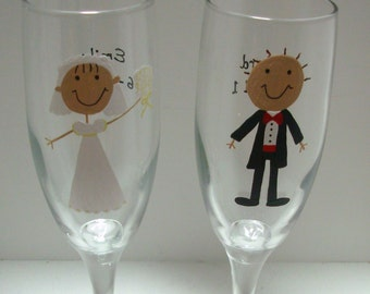 Bride and Groom Champagne Flutes, Handpainted Personalized Toasting Flutes, Toasting Glasses, Bride and Groom Champagne Flutes,