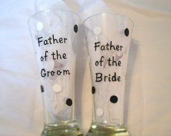 Handpainted Wedding Pilsners, Personalized Set of Two, Wedding Glasses, Painted Beer Glasses, Wedding Attendant Gift, Groomsman gift