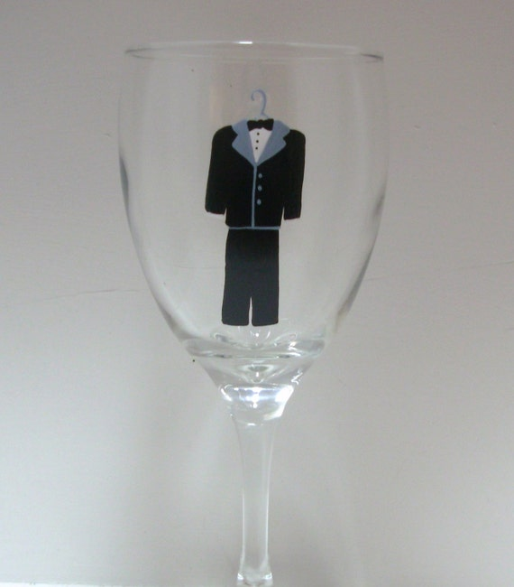 Handpainted Groom Wine  Glass, Wedding gift, Handpainted Wine Glass, Wedding Favor, Personalized Wine Glass, Gift for the Bride and Groom