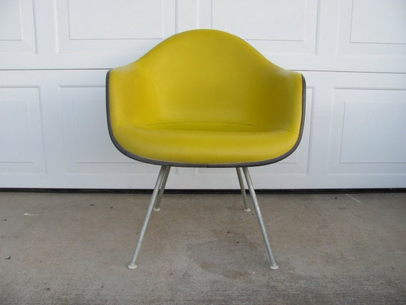Vintage Eames Herman Miller Mid Century Modern Shell Chair