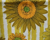 Vintage daisy linen towel 1970's with original tag mint condition