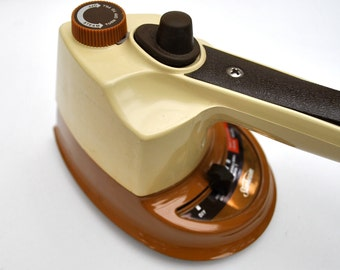 Vintage travel iron 1970s Sunbeam brown and tan works great craft iron