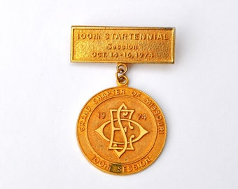 Vintage medal Eastern Star 1974 Startennial excellent for steampunk jewelry