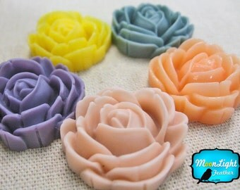 Flower Resin, 5 Pieces - GARDEN MIX ROSE Flower Flatback Cabochon Resin Set 29mm : 1053