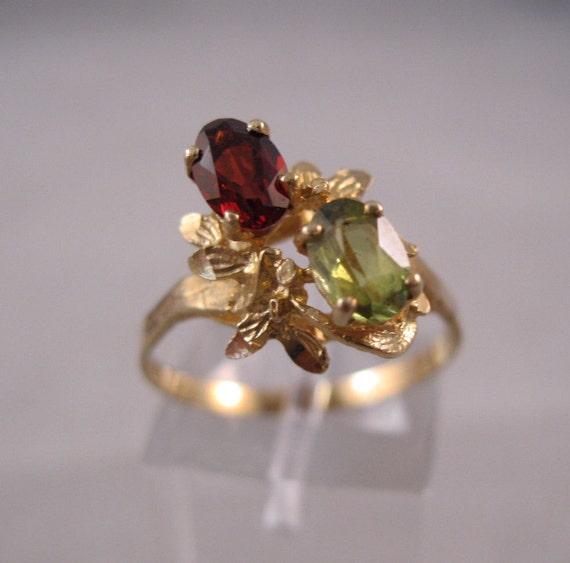 Vintage 14K Garnet & Peridot Ring Size 8
