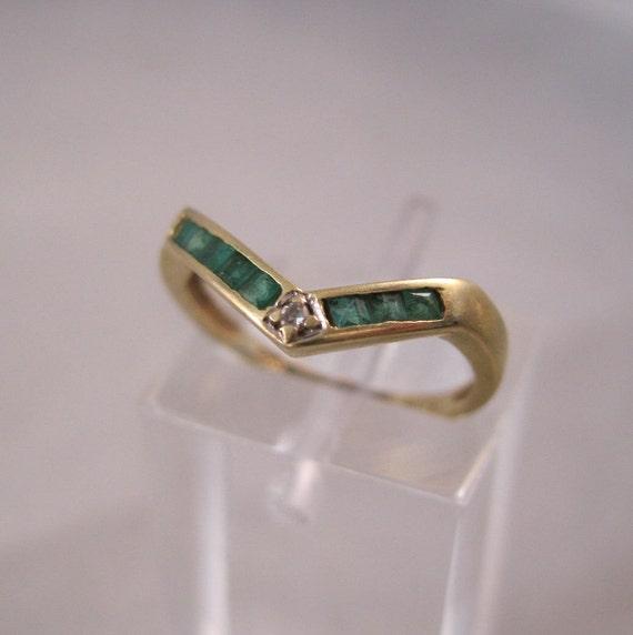 Vintage 14K Emerald Diamond Ring Size 3 1/2