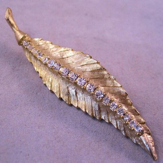 1960s Rhinestone Leaf Brooch Gold Plated Stylized