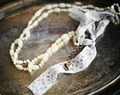 MIXED MEDIA FEMINIE NECKLACE by promise